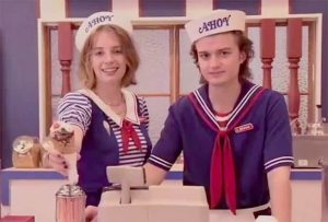 Steve Harrington scoops ahoy costume