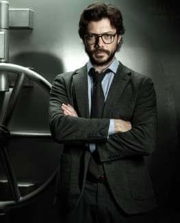 Professor Sergio Costume