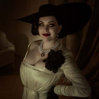 Alcina Dimitrescu Outfits